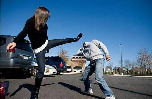 Aprende estos trucos de defensa personal para mujeres