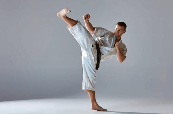 Kime el secreto de la fuerza en el karate..